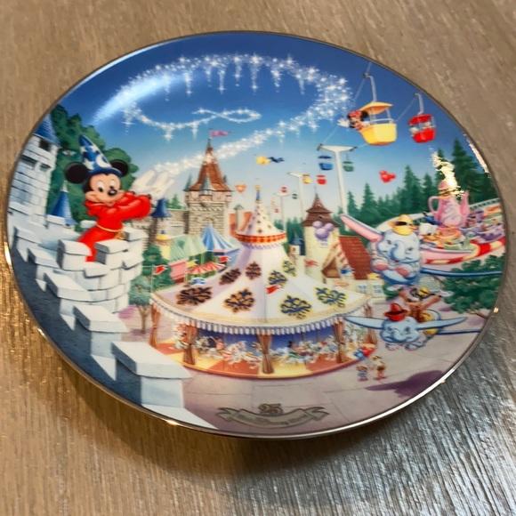 The Bradford Exchange Disney Plate.